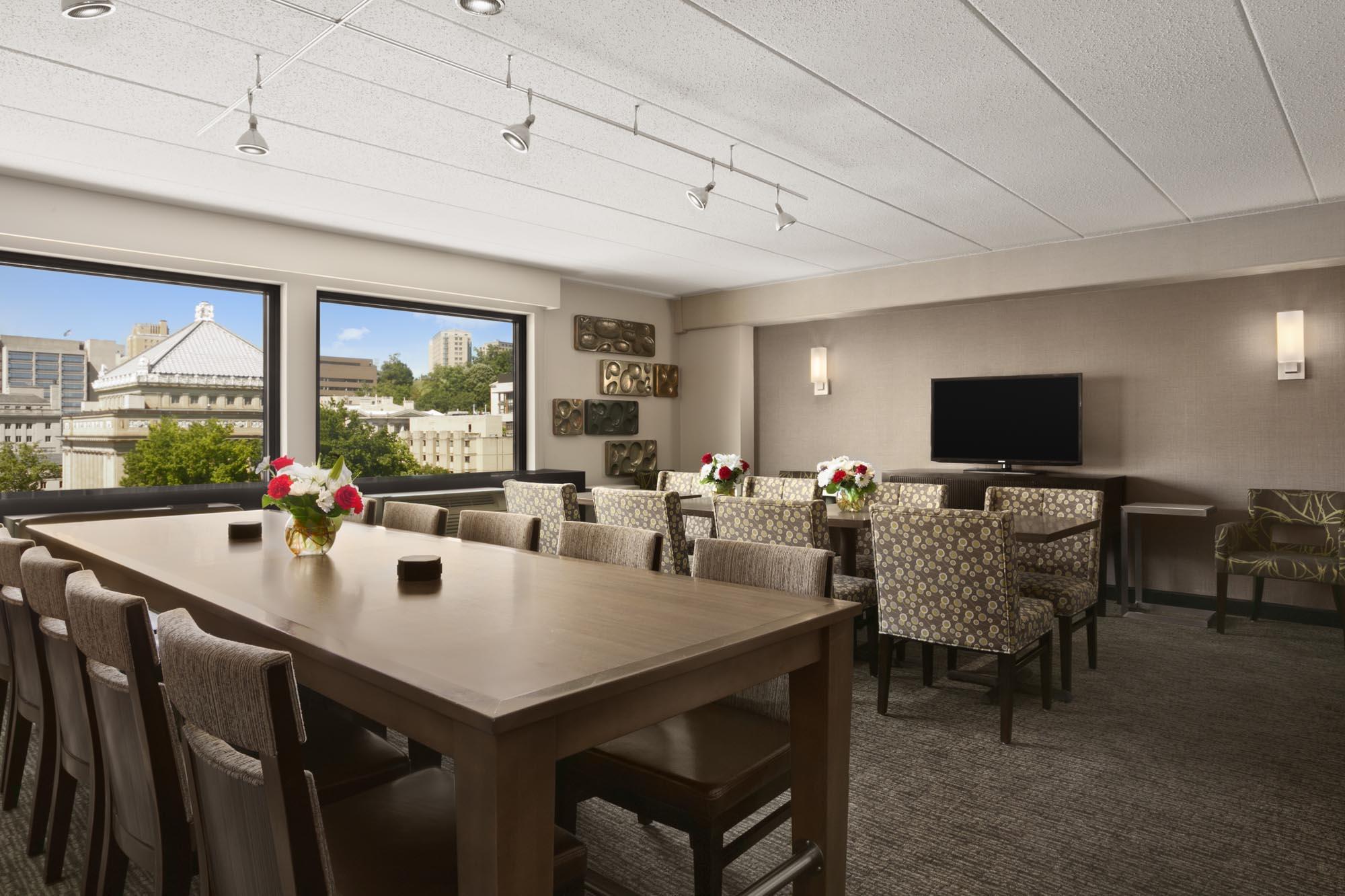 Hotels Near Carnegie Mellon | Wyndham Pittsburgh University Center ...